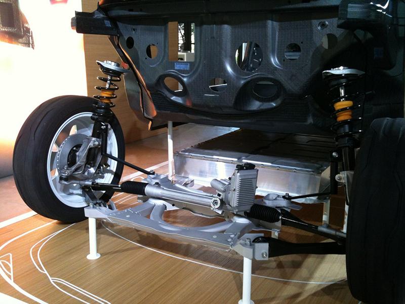 19.BMWi3_Gelenkstange aus Alu