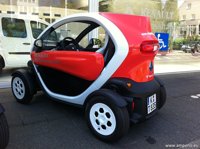 auch Elektro, aber kein Auto sondern als Quad eingestuft