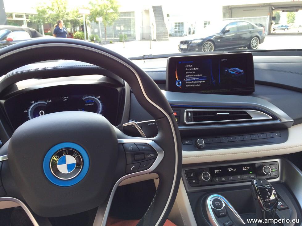 4. Typisch BMW. Tolles Ambiente und wertvolle Materialien. Die Bendienung der Hybrid-modi braucht einige Minuten Gewöhnung.