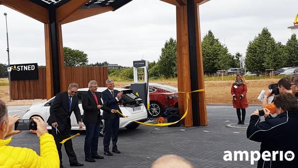 1. Fastned Schnellladepark Eröffnung in Limburg; Eauto, elektromobilität, elektro, tesla, bmw i3,